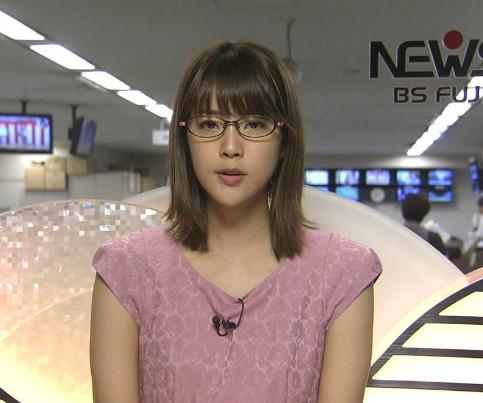 久代萌美アナのメガネ姿は可愛い...